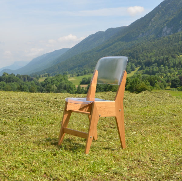 Chaise évolutive pour enfant en chêne français, fabriquée dans le Vercors